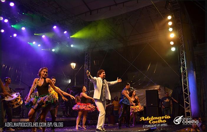 8-razões-para-contratar-o-show-de-Adelmário-Coelho
